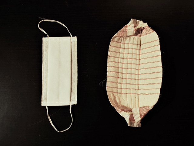 フランス・リヨンで無料配布された布マスク