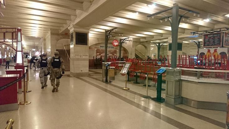 2020年3月19日当時 グランドセントラルターミナル フードコートは閉鎖 NYC非常事態宣言1週間後  (C) Linda