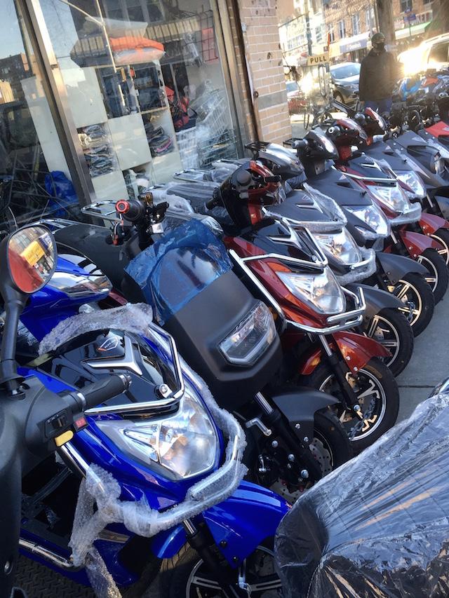 NYCクイーンズ区 バイク屋2