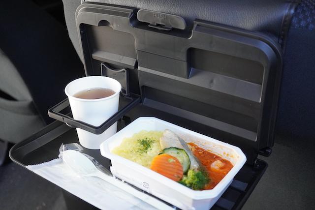 車中で食べる機内食