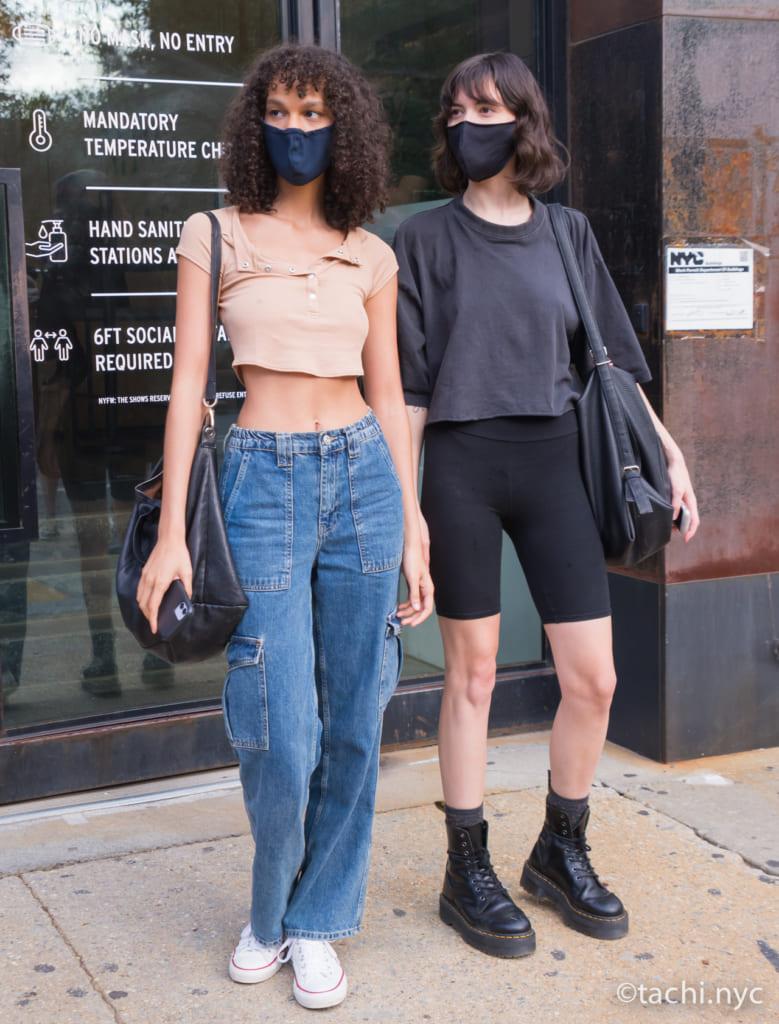 モデル:(左)Shelby Hayes