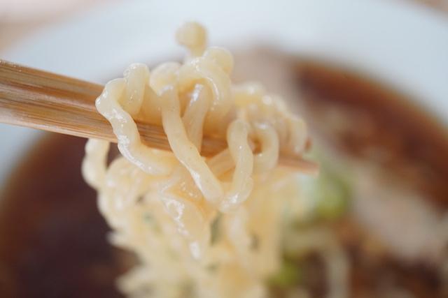 琴平荘(こんぴらそう) 中華そば(あっさり)麺