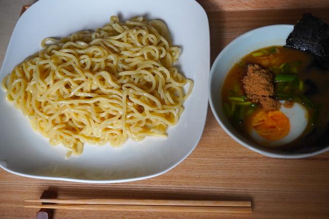 スープと麺