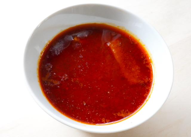 器に注いだスープ