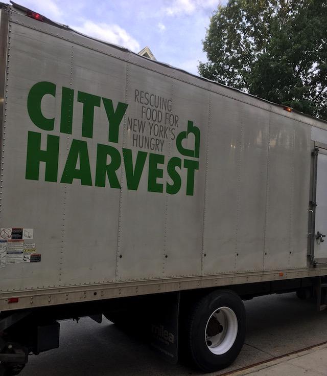 City Harvest (NY市の食糧支援組織)のトラック