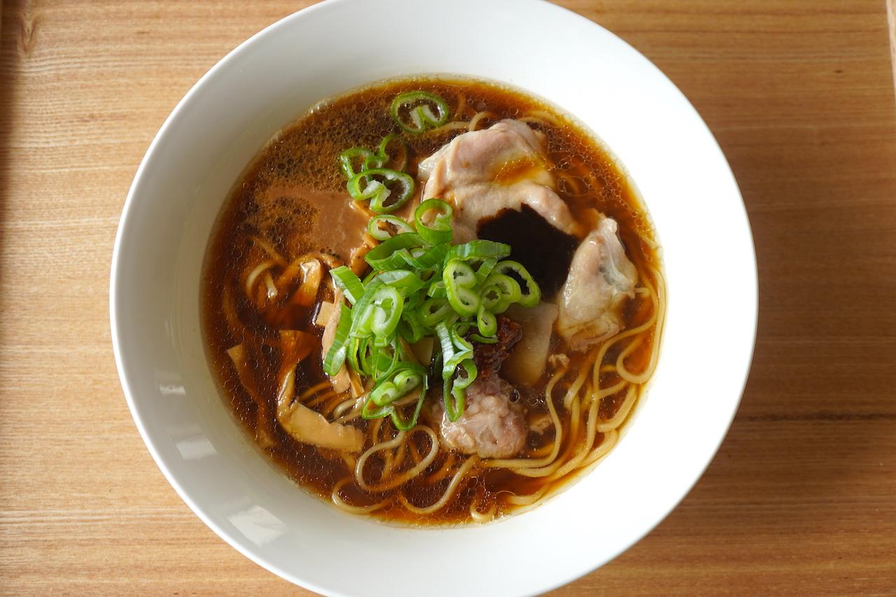 Japanese Soba Noodles 蔦 醤油ラーメン完全店仕様
