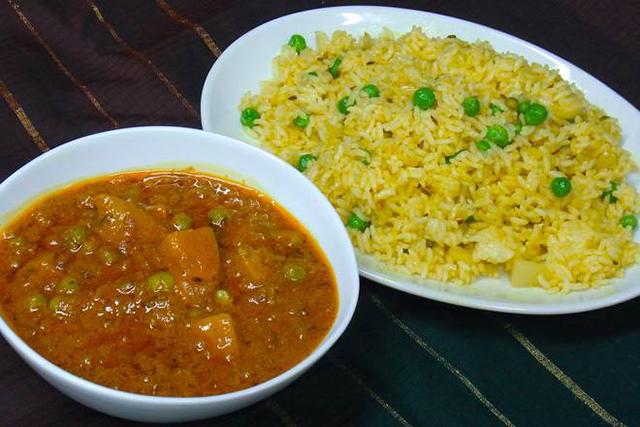 プリヤマハル東京 【UBER EATS限定】インド式野菜チャーハンとカレー(肉)弁当