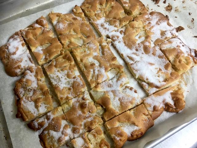 誰にでも好かれるりんごのクッキー グラニューをかけてドレスアップ