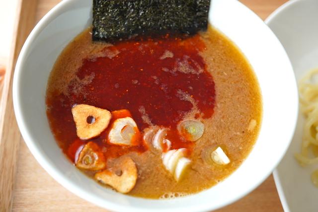 ラー油を入れたスープ