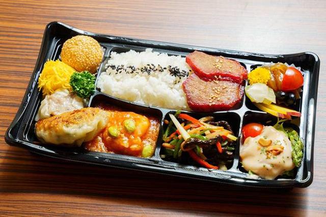 杏梨 品川インターシティ 「特製」選べるメイン三種弁当