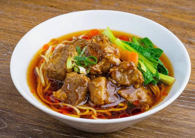 大森 台湾小館 牛肉煮込みラーメン(牛肉麺)