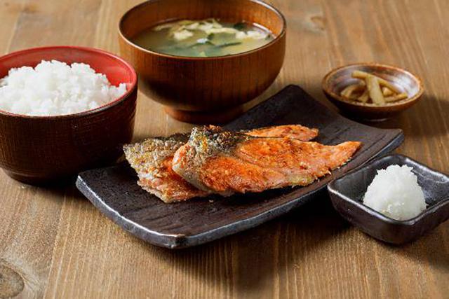 しんぱち食堂 大井町店 銀鮭塩焼き定食
